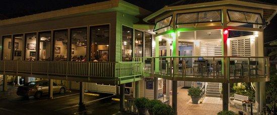 Crow's Nest Marina Restaurant & Tavern: The Re-modeled Crow's nest