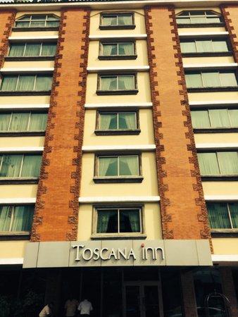 Toscana Inn Hotel : Building