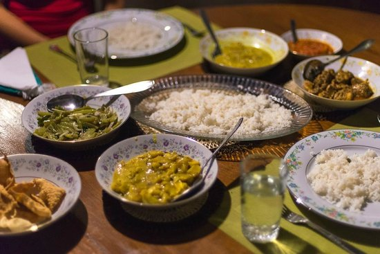 Madugalle Friendly Family Guest House: rice and curry