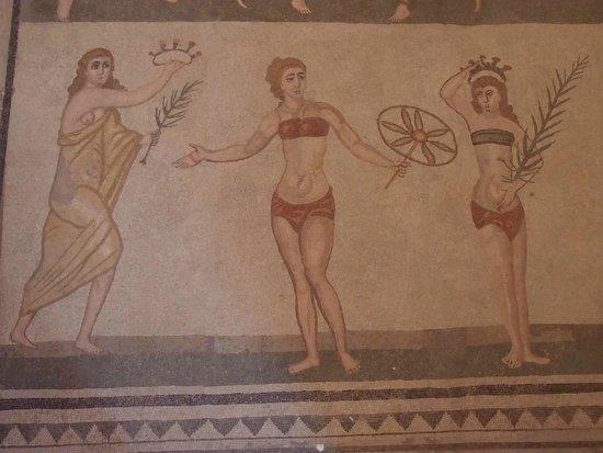 Villa Romana del Casale: Les sportives de l'époque en bikini.