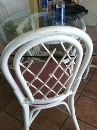 Southbay by the Gulf : Unit 94 - broken kitchen chairs