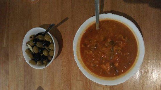 Mowlana Persian Restaurant: Yummy starters.