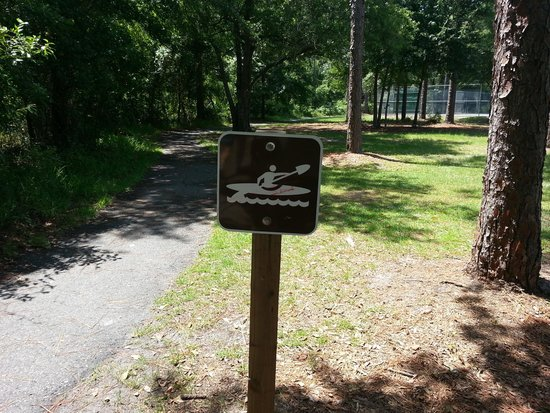 Ringhaver Park/Ortega River Nature Preserve: Start of trail....