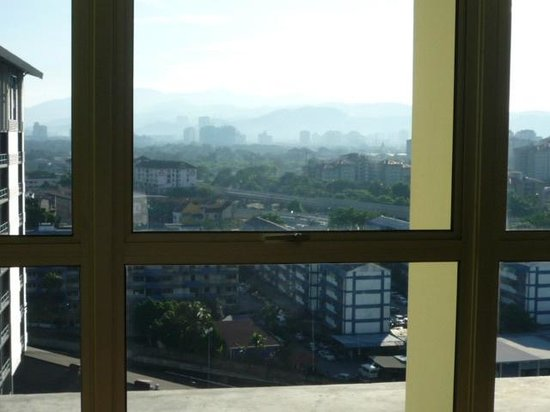 ibis Styles Kuala Lumpur Fraser Business Park : the Chan Sow Lin station from room