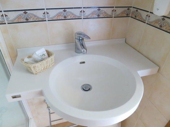 Hotel Villa Schuler: Sink area of bathroom (room #16)