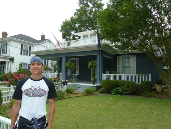 East Main Guest House : Me and the house.
