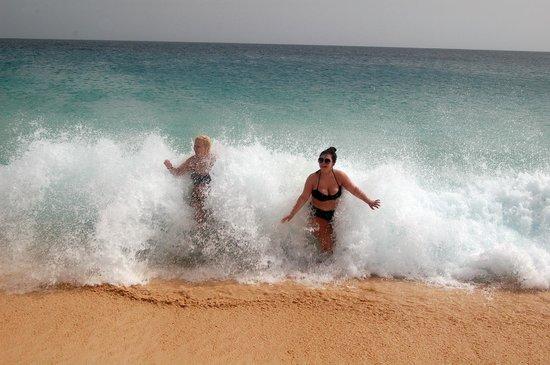 ClubHotel Riu Funana: Watch Them Waves