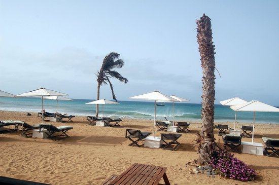 ClubHotel Riu Funana: Beach near the town