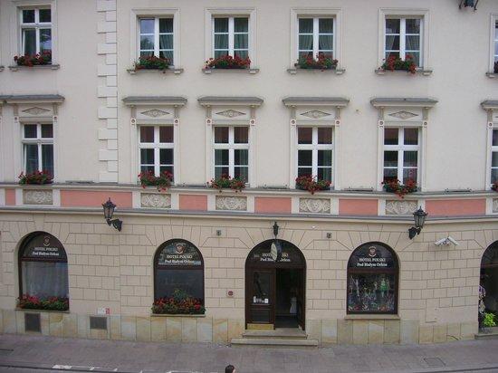 Hotel Polski Pod Bialym Orlem: Fachada del Hotel desde la Barbacana