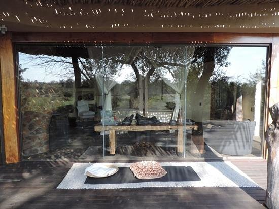 Singita Boulders Lodge : our room looking in