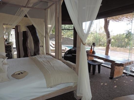 Singita Boulders Lodge : Master bedroom at the family suite