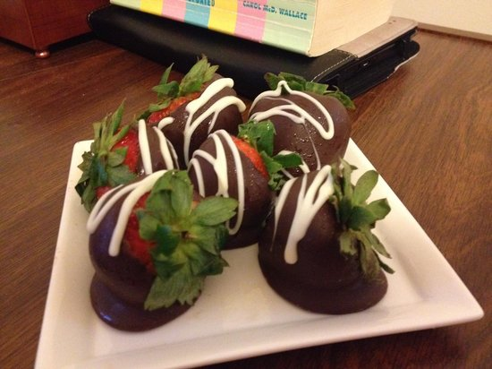 Conrad Indianapolis : The Best Strawberries Ever