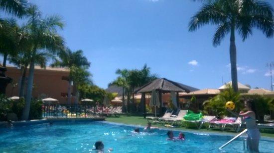 Green Garden Resort & Suites : piscine