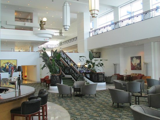 PULLMAN Miami Airport hotel: Stairs