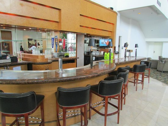 PULLMAN Miami Airport hotel : Bar