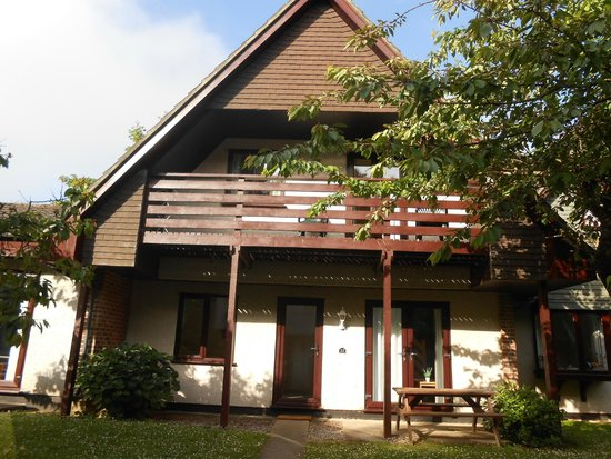Tolroy Manor Holiday Park: Outside of the house