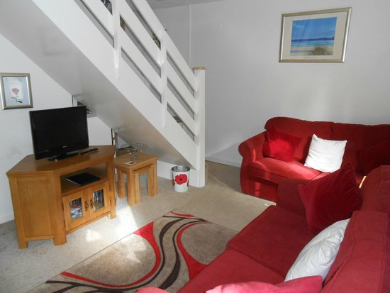 Tolroy Manor Holiday Park: Living area