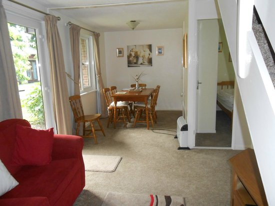 Tolroy Manor Holiday Park: dining end of living area