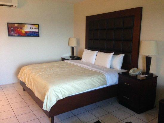 Divi Aruba All Inclusive: Nice king bed