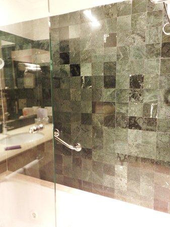 Grand Palladium Kantenah Resort and Spa: bathroom