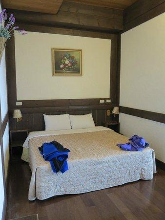 Maple Leaf Holiday Villa: Room
