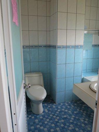 Maple Leaf Holiday Villa: Bathroom