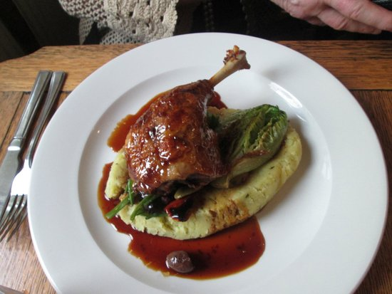 The Running Horse: Confit duck with nicoise vegetables