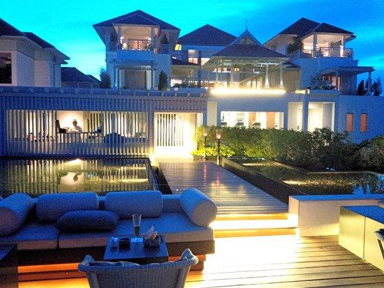 Amatara Wellness Resort: Espace bar sur les toits