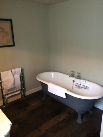 The Pig near Bath : the bath