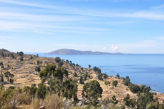 Juliaca, Peru: Vistas del lago Titicaca desde Llachón