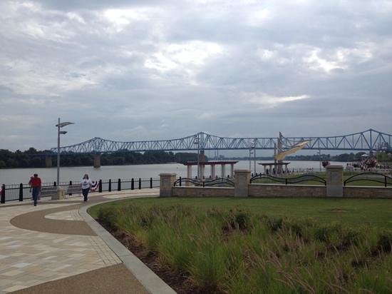 Owensboro, KY: Riverfront with blue bridge in bavkground.