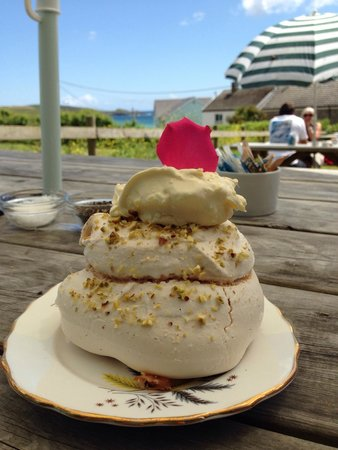 Peppercorn Kitchen Cafe: Delicious homemade meringues!