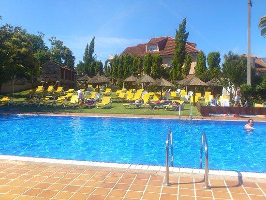 Aparthotel Villa Cabicastro: piscina
