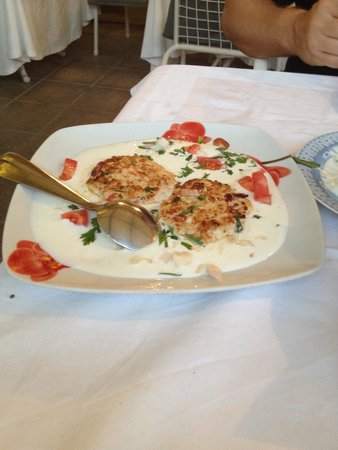 Le Gourmet : Chicken burgers in a yoghurt sauce