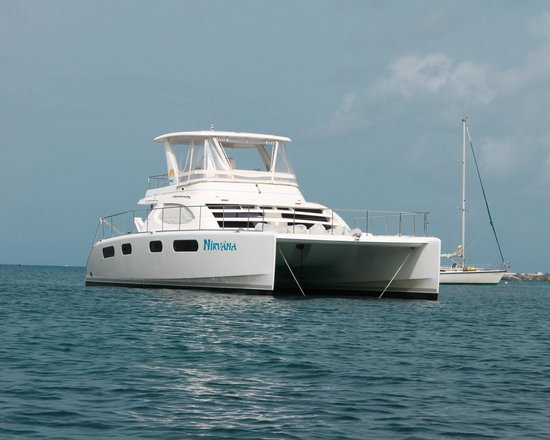 Private Yacht Charter SXM: Beautiful Boat!!