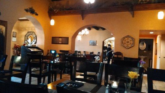 Adobe Rose Restaurant : dining area
