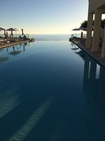 Jumeirah Port Soller Hotel & Spa: Infinity pool and beyond