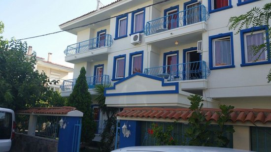 Koz Marigold Suites & Apartments: The establishment is easy to find