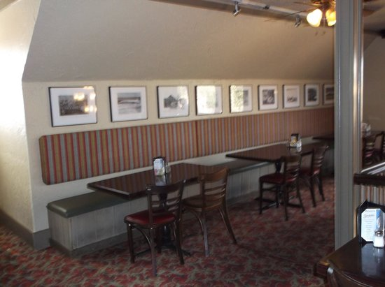 Gardski's Restaurant & Bar : Lubbock history on view