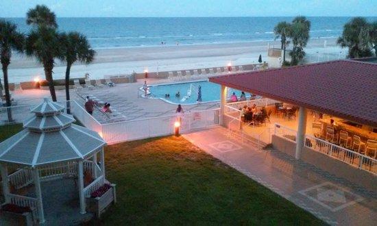 Holiday Inn Hotel & Suites Daytona Beach : Vista desde la habitacion