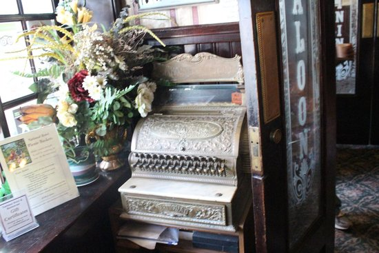 National Hotel & Restaurant: Antique cash register.
