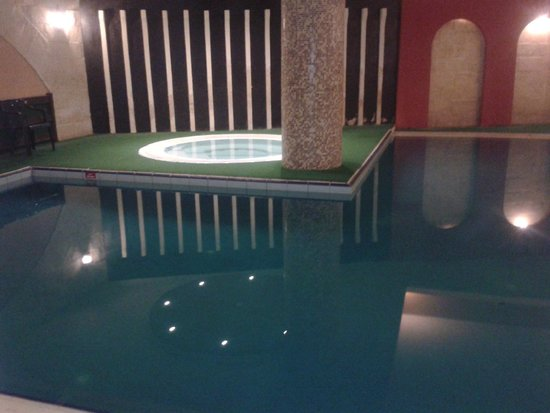 Soreda Hotel: Indoor Pool/Jacuzzi
