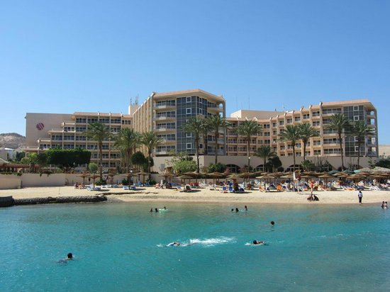 Hurghada Marriott Beach Resort : Hotel from island.