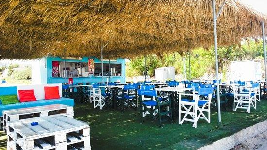 Roulis Beach Bar: beach bar roulis