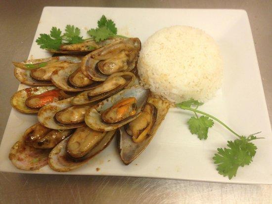 Petit saigon : Moules Basillic Thaï et son riz thaï parfumé au Jasmin
