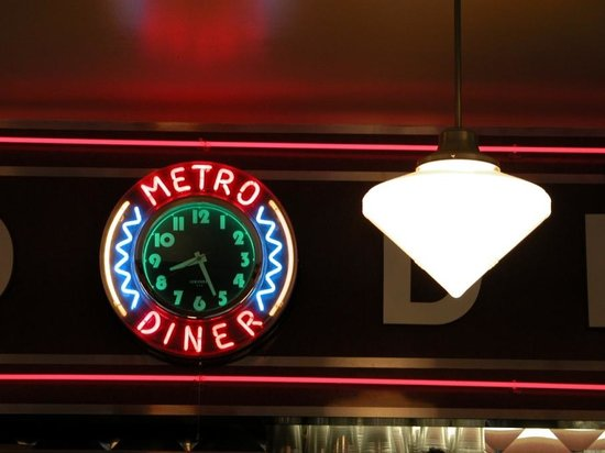 I'm a sucker for neon - Picture of Metro Diner, New York City