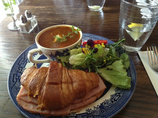 The Biscuit Eater Cafe : Ham and Cheese Croissant