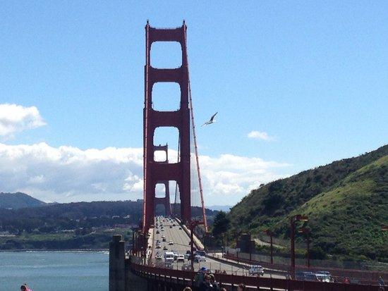 Golden Gate Bridge : Golden Gate
