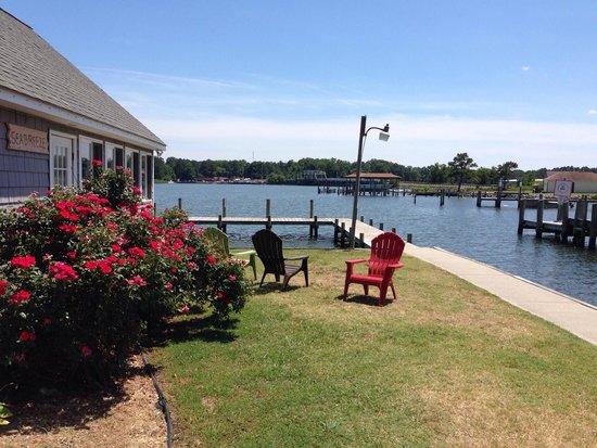 Grimstead, VA: Water view