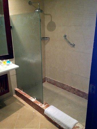 Caribbean World Resorts Soma Bay : great shower